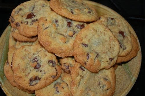 Nothing like having a plate of warm cookies to nibble on after dinner.