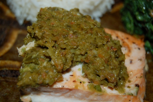 Salmon filet with a great green slasa