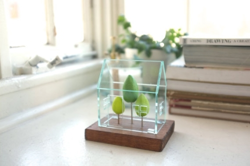 Miniature greenhouse structure by 2of2